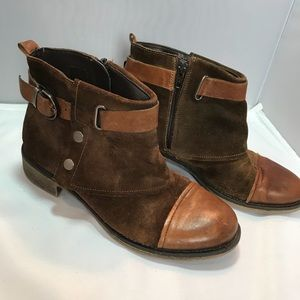 Boutique 9 sz 5.5 leather suede distressed booties